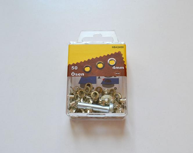 50 Ösen 4mm silber